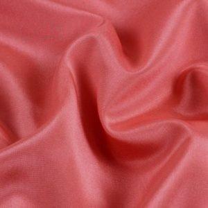 Подкладочная ткань стретч коралловая Италия Состав: вискоза 50 %, синтетические волокна 44 %, эластан 6 % Плотность ≈ 95 г/м ² Ширина 136 см