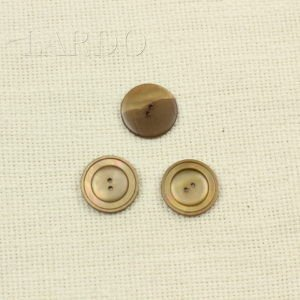 Пуговица перламутр светло-коричневый ∅ 2,5 см