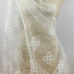 Органза шёлковая с вышивкой ришелье