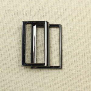 Пряжка разъёмная фуксия металл/каучук 7 см х 4,5 см