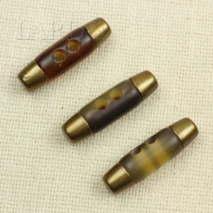 Пуговица коричневая цилиндр рог с металлом 5 см