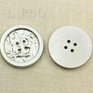 Пуговица пластик ∅ 4,9 см серебристого цвета
