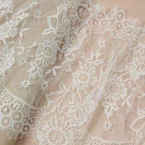 Кружево шантильи белое шир. 33 см
