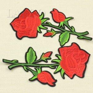 Аппликация красная роза с бутонами на веточке, термо