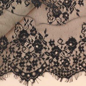 Кружево шантильи чёрное шир. 31 см