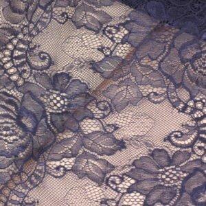 Кружево шантильи тёмно-синее шир. 25 см
