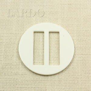 Пряжка круглая белая пластик ∅ 6,3 см