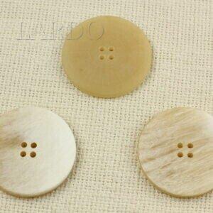 Пуговица пластик ∅ 4,5 см светло-бежевая