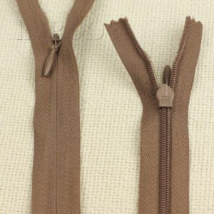 Молния ПОТАЙНАЯ OPTI неразъёмная, однозамковая, 70 см, №3, коричневая
