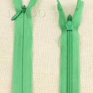 Молния ПОТАЙНАЯ YKK неразъёмная, однозамковая, 55 см, №3, светло-зелёная