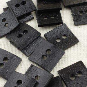 Пуговица пластик 3,5 см, квадрат чёрная