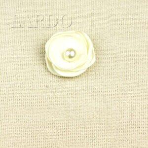 Нашивка цветок с жемчужиной