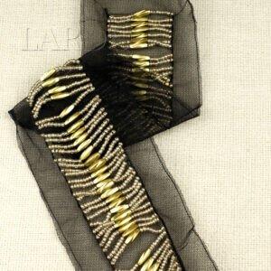 Воротник пришивной на сетке расшитый бусинами и бисером