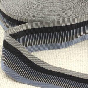Репсовая лента серо-голубая штрихи шир. 3,5 см