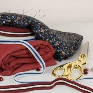 104 Вискоза плательная в мелкий цветочек - джинс стретч кирпично-красный