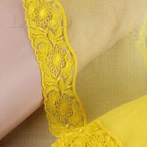 Кружево светло-жёлтого цвета с розовыми цветами, шир. 18 см