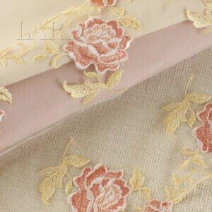 Кружево светло-бежевого цвета с цветами, шир. 20 см