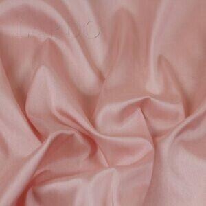 Подкладочная ткань стретч чайная роза Италия Состав: вискоза 50 %, ацетат 44 %, эластан 6 % Плотность ≈ 80 г/м ² Ширина 140 см