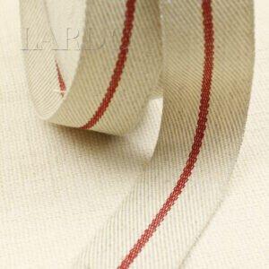 Тесьма молочного цвета в ёлочку с красной полосой по центру шир. 4,0 см