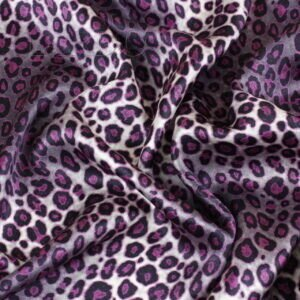 Атлас шёлковый лиловый леопард Италия Состав: шёлк 100 % Плотность ≈ 70 г/м ² Ширина 138 см