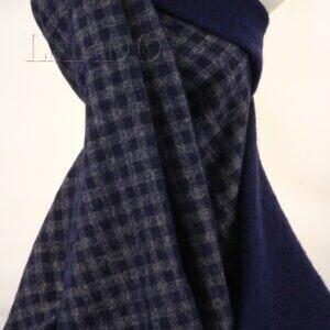 Лоден двусторонний синий/бежево-синяя клетка  Италия Состав: шерсть 70 %, синтетические волокна 30 % Плотность ≈ 305 г/м ² Ширина 150 см