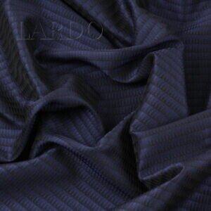 Жаккард шёлковый чёрно-синий Италия Состав: шёлк 100 % Плотность ≈ 170 г/м ² Ширина 142 см