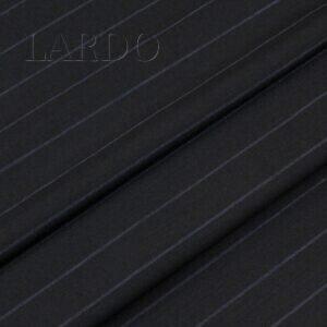 Костюмная шерсть чёрная в серо-голубую полоску Италия Состав: шерсть 100 % Плотность ≈ 170 г/м ² Ширина 154 см