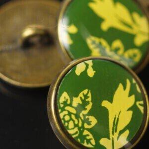 Пуговица на ножке металл бронзового цвета эмаль зелёно-жёлтый рисунок ∅ 1,8 см