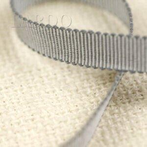 Репсовая лента серебристо-серого цвета Состав: хлопок 50 %, вискоза 50 % шир. 1,0 см