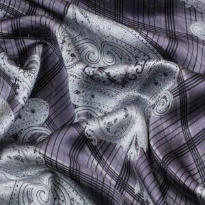 Атлас шёлковый орнамент Италия Состав: шёлк 100 % Плотность ≈ 70 г/м ² Ширина 138 см