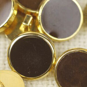 Пуговица на ножке пластик коричневого цвета ∅ 1,8 см золотистая