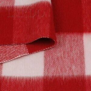 Пальтовая ткань в красно-розовую клетку виши  Италия  Состав: лама 50 %, мохер 40 %, п/э 10 %  Плотность ≈ 305 г/м ²  Ширина 146 см