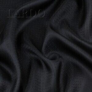 Подкладочная ткань чёрная с жаккардовой надписью Италия Состав: вискоза 50 %, ацетат 50 % Плотность ≈ 85 г/м ² Ширина 144 см
